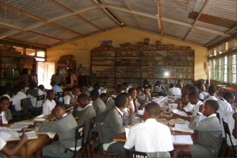chetana-visits-chania-high-school-for-boys-15-11-2013-02